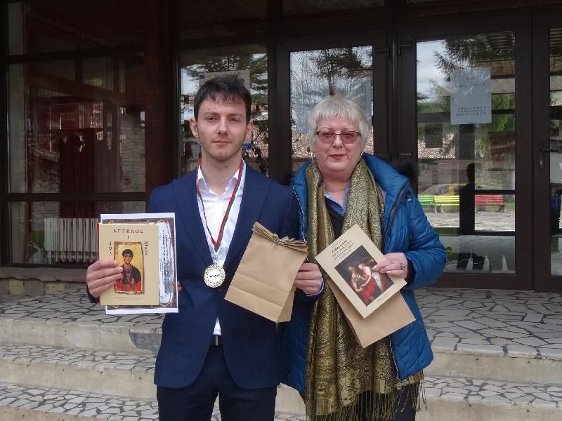 """ПМГ """"Св.Климент Охридски"""" ПМГ отново с лауреат на Дванадесетата олимпиада по история и цивилизация"""
