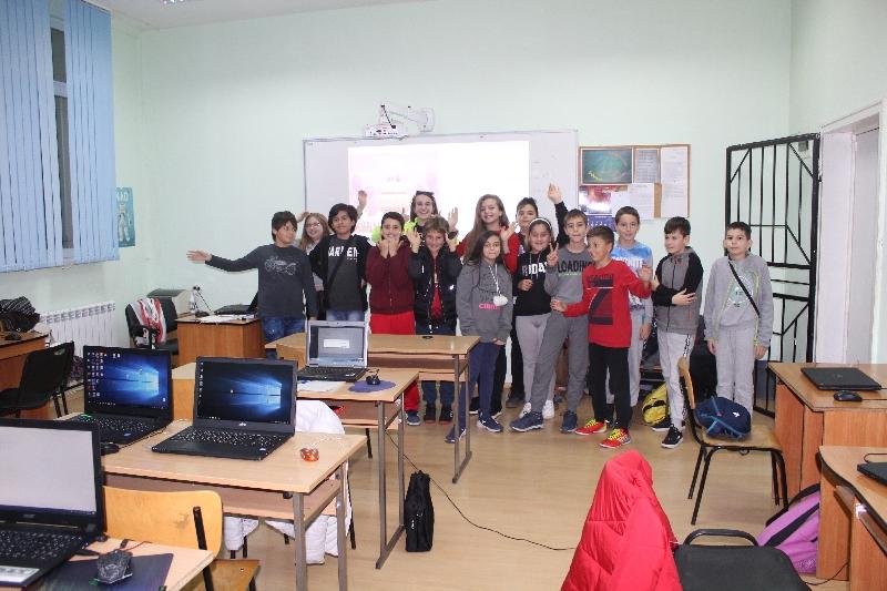 Школа по програмиране на Училищна Телерик Академия в ПМГ